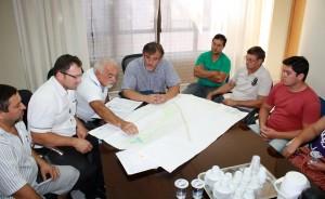 Lideranças do bairro se reuniram com o prefeito em exercício, Eduardo Scirea, que propôs um calendário de ação para o bairro