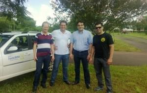Saudi Mensor, Aires Tomazoni, Cantelmo Neto e Edio Vescovi em visita ao novo local, aos fundos da lanchonete do parque