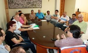 O grupo presidido por Arlindo Fries foi recebido no gabinete do prefeito Cantelmo Neto