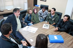 Parte das famílias afetadas voltou a se reunir com a Prefeitura nesta semana