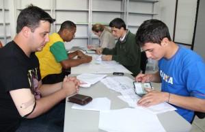 Beneficiários do Fundo estão sendo atendidos na Secretaria de Assistência Social, onde fazem a verificação da documentação