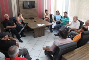 Representantes das entidades promotoras do fórum de discussão estiveram reunidos com o prefeito em exercício, Eduardo Scirea