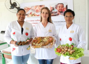 Iandra Glória dos Santos, Ana Carla Rodrigues e Ester dos Santos, as merendeiras vencedoras do primeiro Concurso de Alimentação Escolar, em Francisco Beltrão
