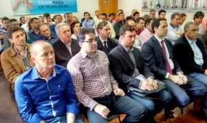 Neto participou da assembleia da AMP em Curitiba, que deliberou a busca de uma solução para os aumentos da conta de energia das prefeituras