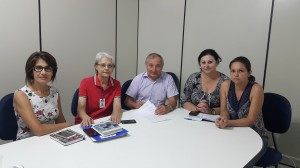 Juceli Vagliati, Rosely Newton, Helio Alves, Rose Mari Gaurda e Elaine Anghinoni na assinatura do convênio para repasse