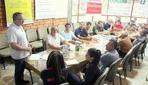 Secretário de Esportes, Neri Schneider, coordenou reunião com instituições envolvidas na organização da passagem da tocha